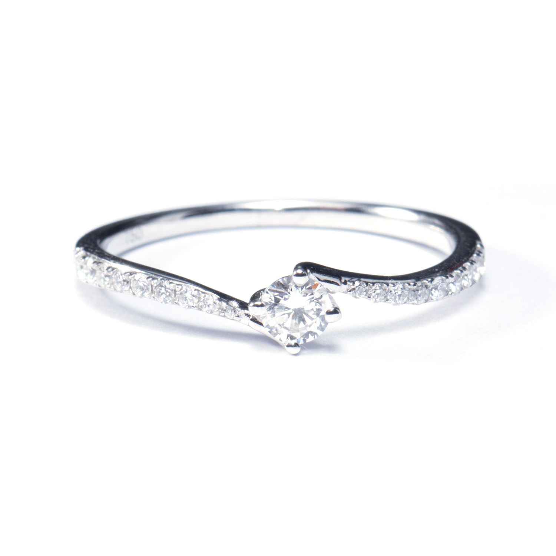 0 13ct Verlovingsring In Witgoud Met Diamanten Op Band