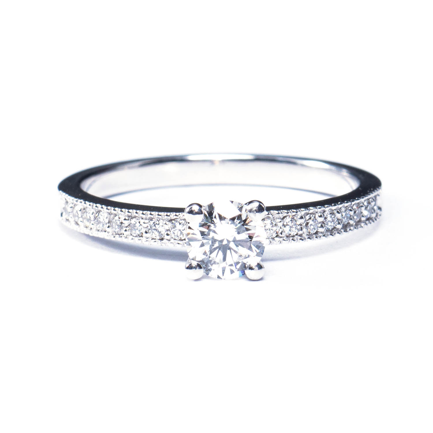 bague or petits diamants